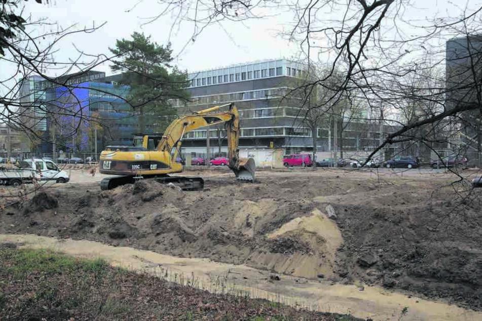 Die Johannstadt bekommt neue Parkplätze. Die Arbeiten für das Parkhaus haben begonnen.