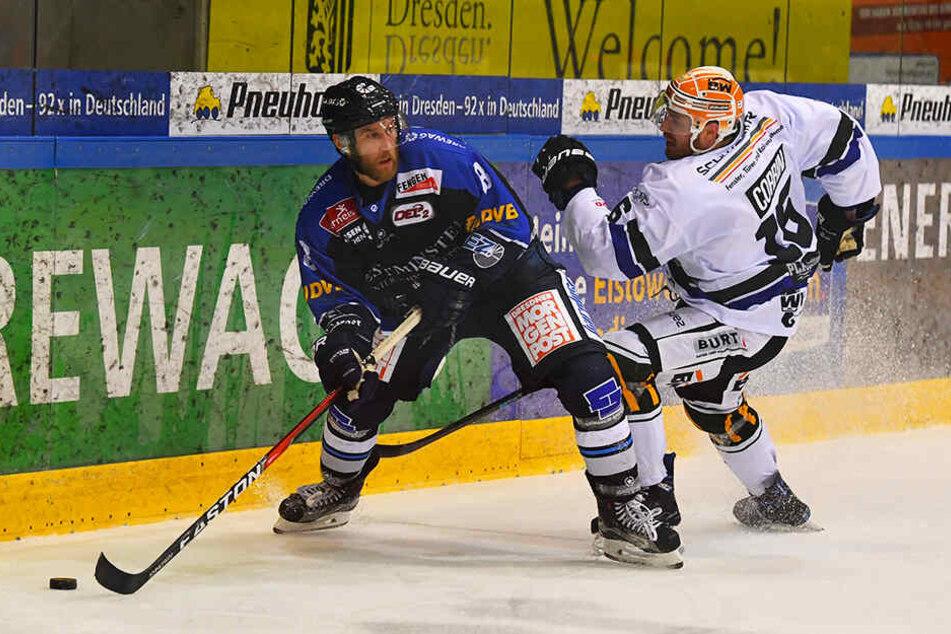 Aleksejs Sirokovs (l.) erzielte in der Verlängerung den Siegtreffer für die Eislöwen.
