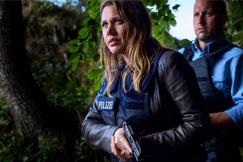 Kommissarin Pia Sander (Felicitias Woll, l.) im Einsatz.