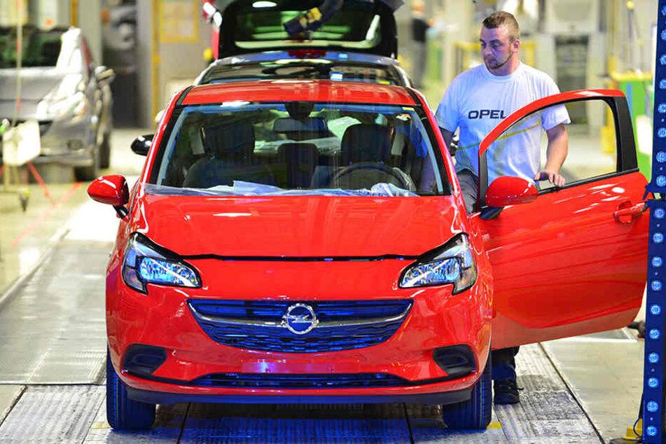 Bei Opel in Eisenach könnten ab 2019 Entlassungen drohen.