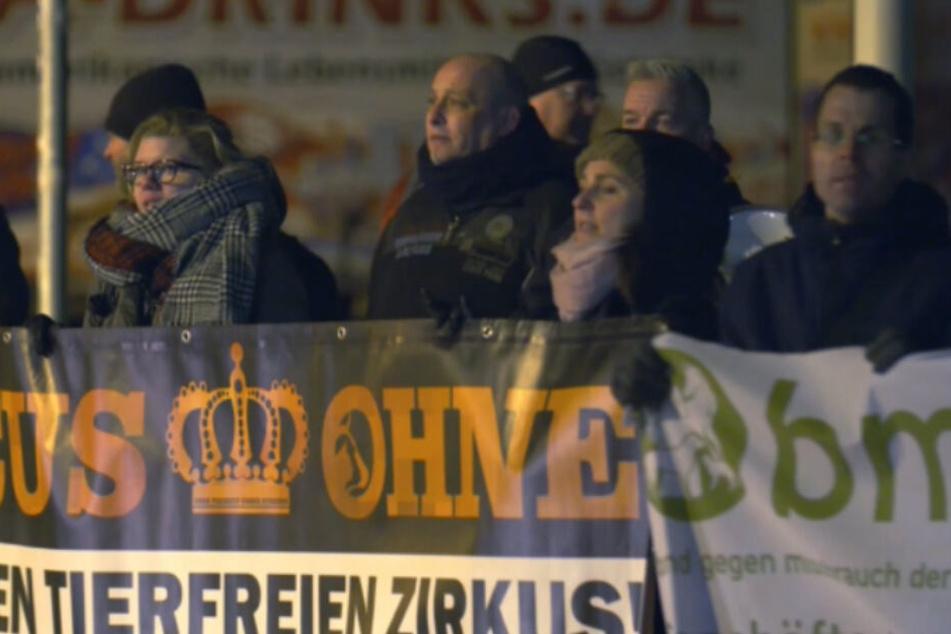 Berliner Protest gegen den Weihnachts-Zirkus.