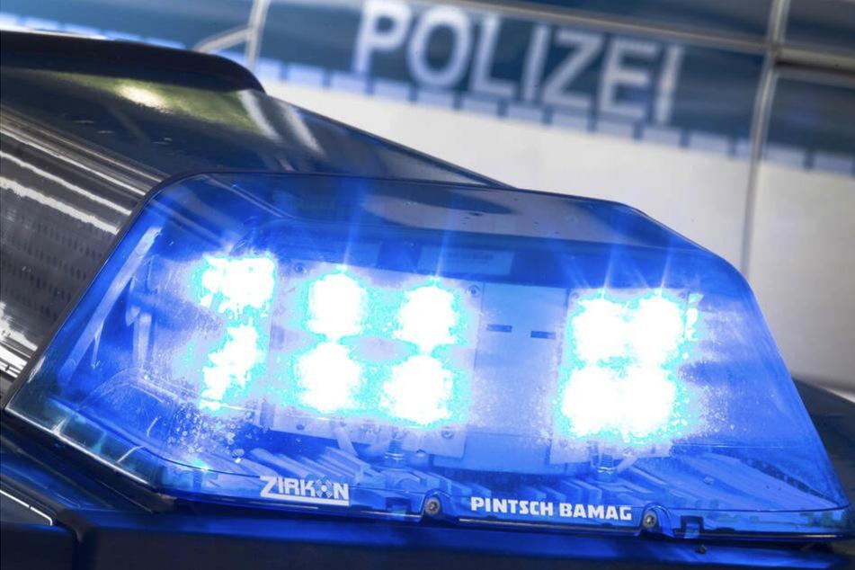 Heftiger Frontalcrash bei Gotha: Zwei Personen in Lebensgefahr, Kind (5) schwer verletzt