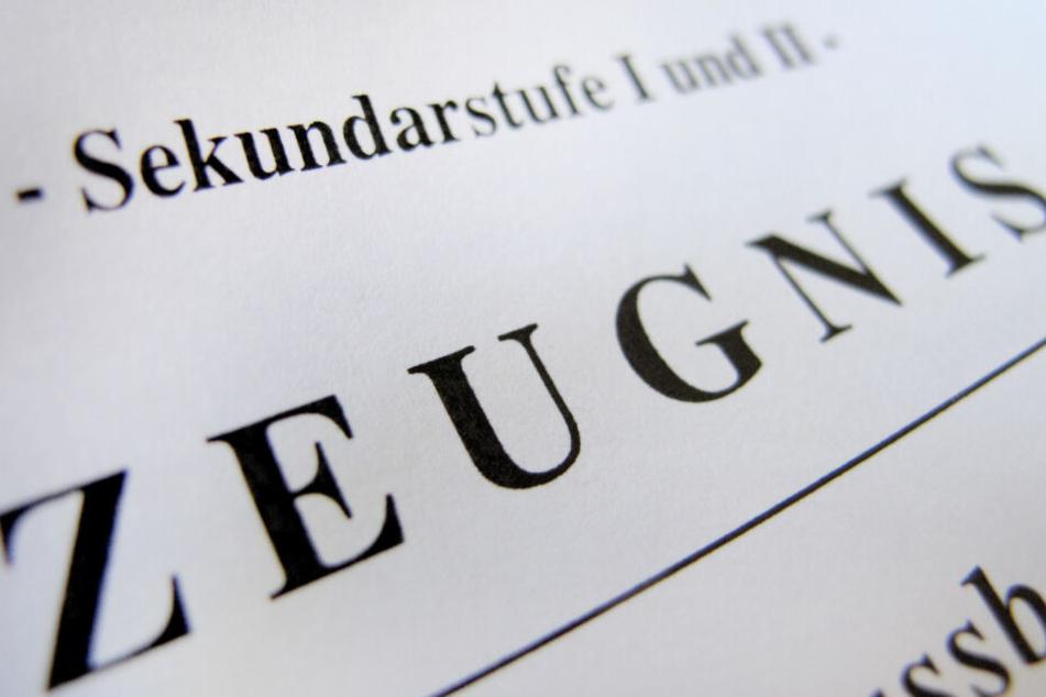 In NRW gibt's wieder Zeugnisse für die Schüler.
