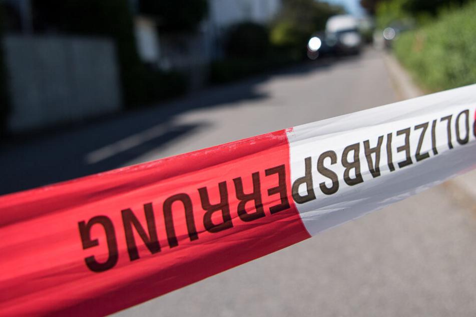 Auf offener Straße! Mann mit Messer attackiert