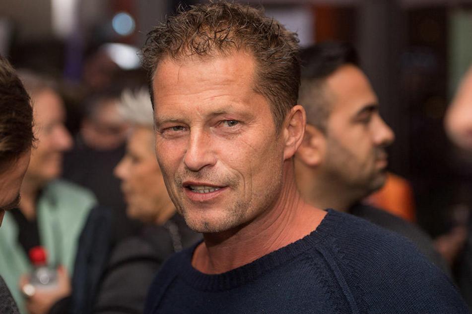 Til Schweiger (54) stellte auf Facebook seine Fähigkeiten als Schauspieler unter Beweis.