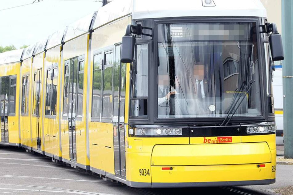 Das sechsjähriges Mädchen wurde mehrere Meter von einer Straßenbahn mitgeschleift (Symbolfoto).