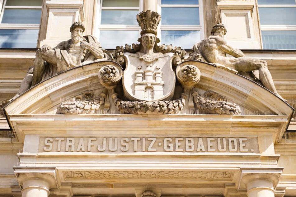 Vor dem Landgericht Hamburg beginnt am Freitag der Prozess gegen einen mutmaßlichen Mörder. (Archivbild)