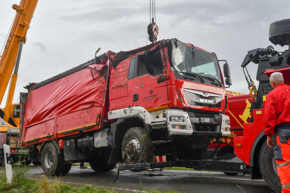 Im Harz ist am Dienstag ein Feuerwehrfahrzeug der Bundeswehr verunglückt.
