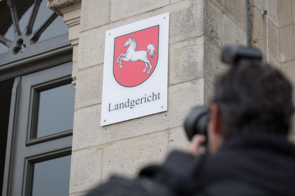 Vor dem Osnabrücker Landgericht findet der Prozess gegen der mutmaßlichen Mörder statt.