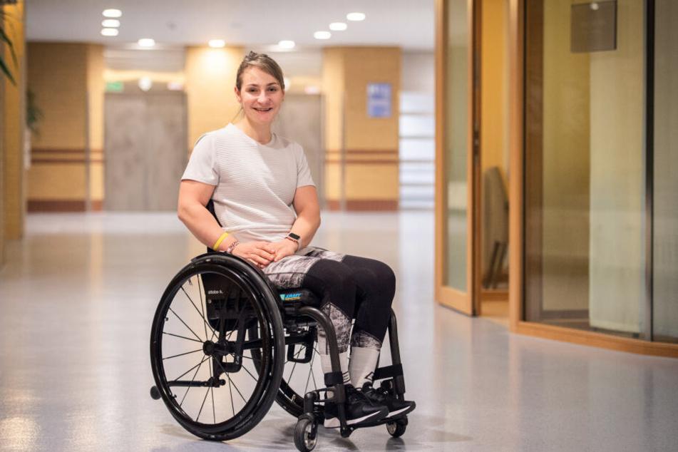 Die ehemalige Sportlerin Kristina Vogel sitzt nach einem Unfall auf der Radrennbahn im Rollstuhl.