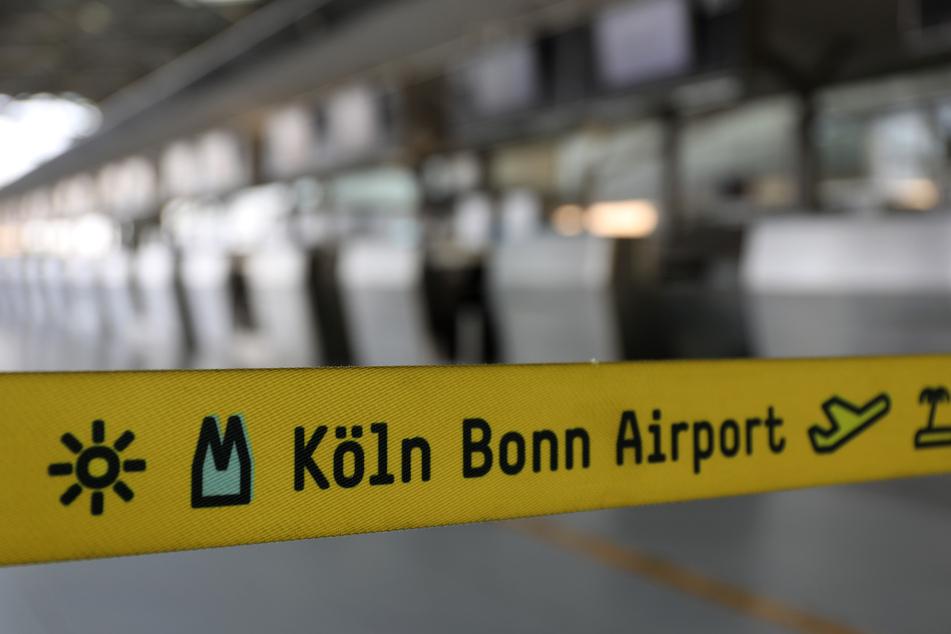 Verdi droht mit Warnstreiks an NRW-Flughäfen in Herbstferien