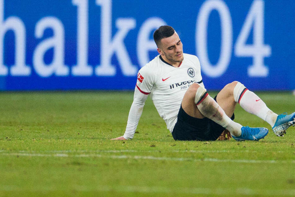 Filip Kostic ist enttäuscht nach dem unglücklichen 0:1 der Eintracht auf Schalke.
