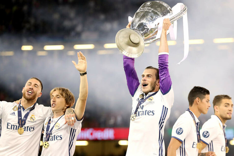 Die Champions-League gibt es ab 2018 nur noch auf Sky zu sehen.