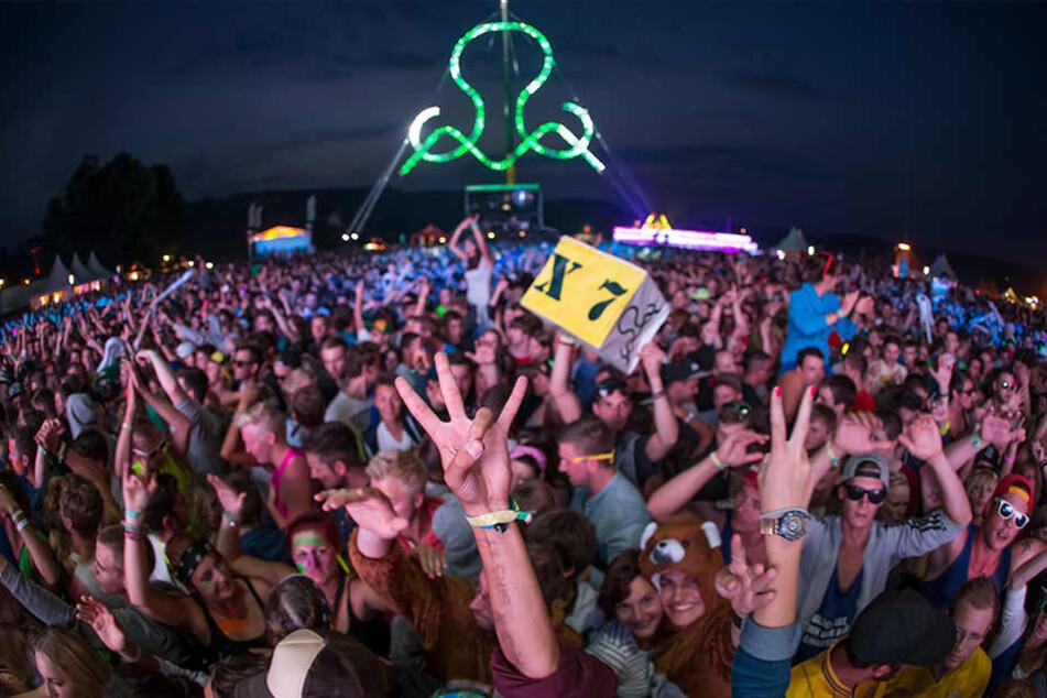 """Zehntausende feierten bereits auf dem """"SonneMondSterne"""" ausgelassen. Lediglich 350 Straftaten wurden festgestellt."""
