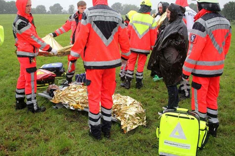 Einsatzkräfte bei einer Katastrophenschutz-Übung (Archivbild).