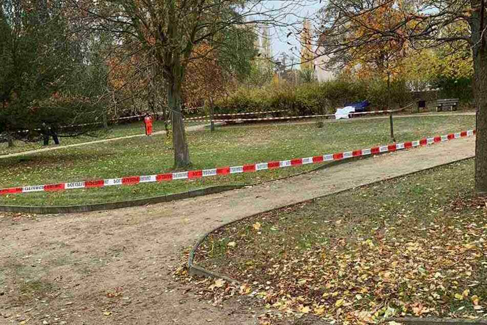 In diesem Stadtpark in Riesa wurde der Tote entdeckt.