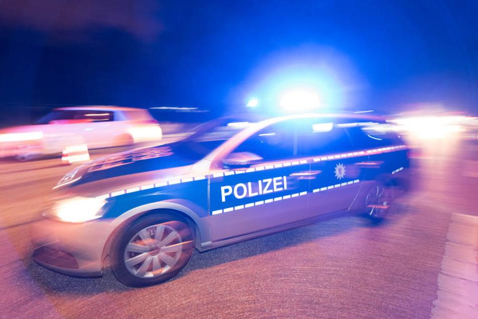 Noch am Tag des Überfalls lieferte sich einer der Verbrecher eine Verfolgungsjagd mit der Polizei. (Symbolbild)