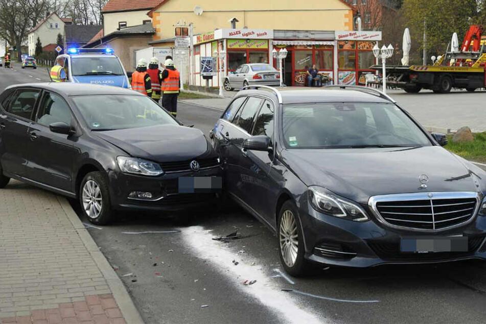 Am Hohnstädter Berg waren die beiden Fahrzeuge ineinander gekracht.