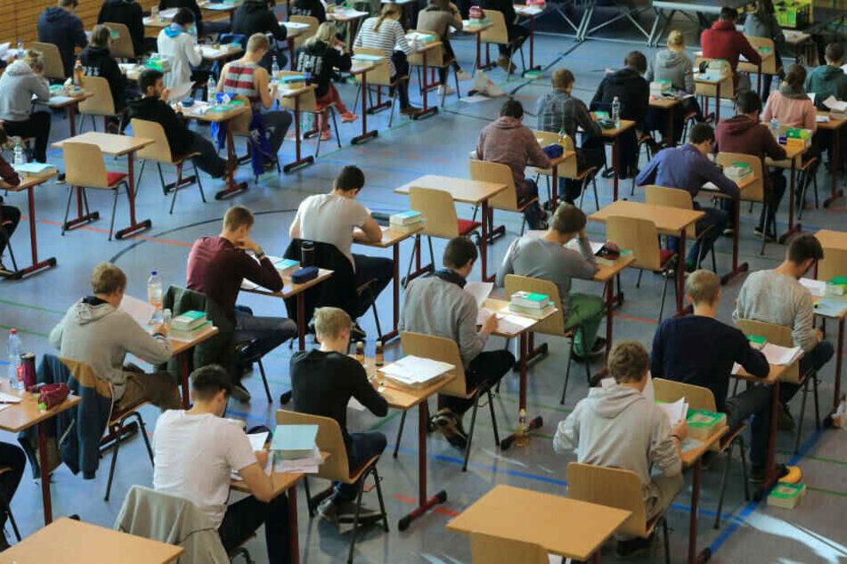 Negativ-Trend: Immer mehr Schüler rasseln durchs Abitur