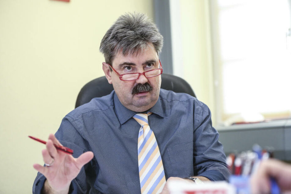 """NGG-Regionalgeschäftsführer Volkmar Heinrich (60) befürchtet, dass immer mehr Dresdner ins """"Alters-Hartz-IV"""" abrutschen."""