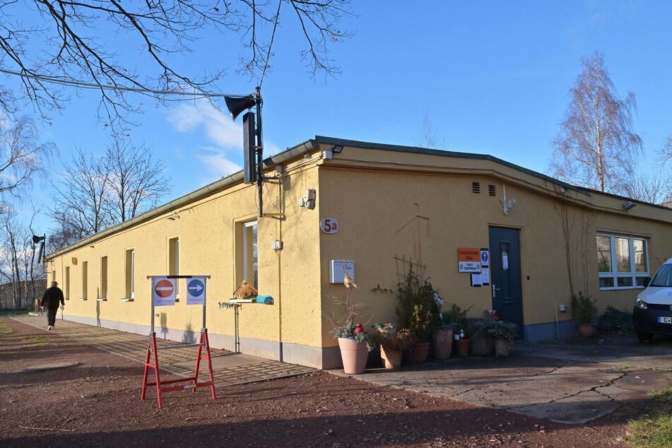 Im Freizeitzentrum Glösa befindet sich eine Schnelltest-Station, die montags bis freitags von 9 bis 15 Uhr, Heiligabend und Silvester von 8 bis 13 Uhr testet.