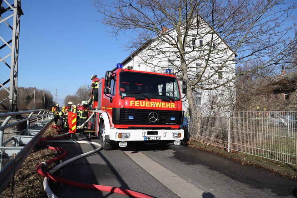 Am Sonntagnachmittag hat es in einem Mehrfamilienhaus in Oberlichtenau gebrannt.