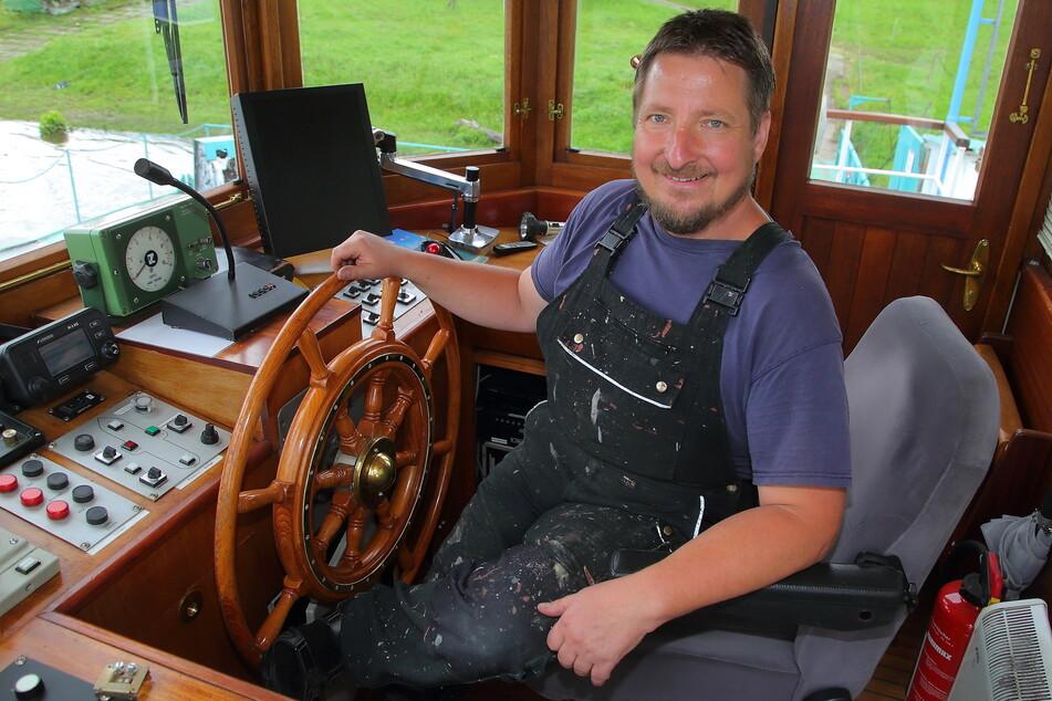 Schiffsführer Holger Rolle (49) freut sich auf den Start.