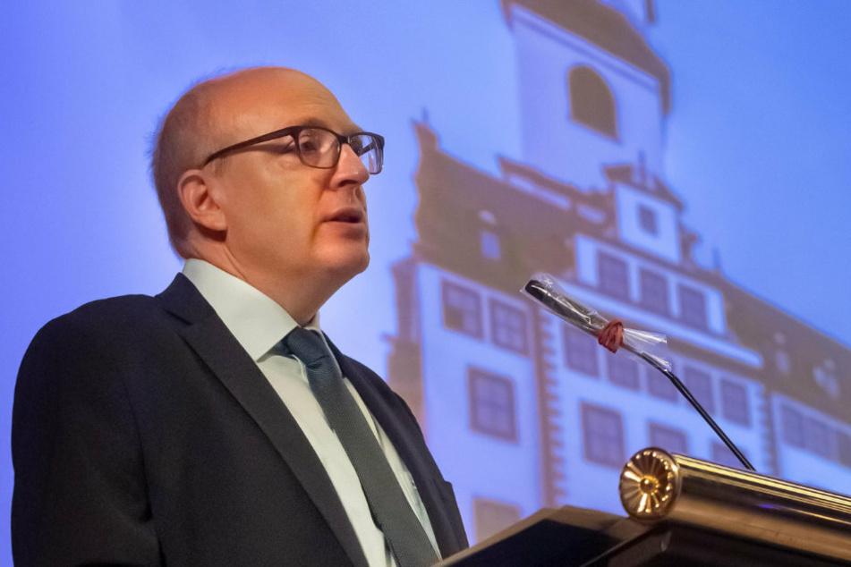 Bürgermeister Sven Schulze (48, SPD) hieß die städtischen Azubis am Dienstag willkommen.