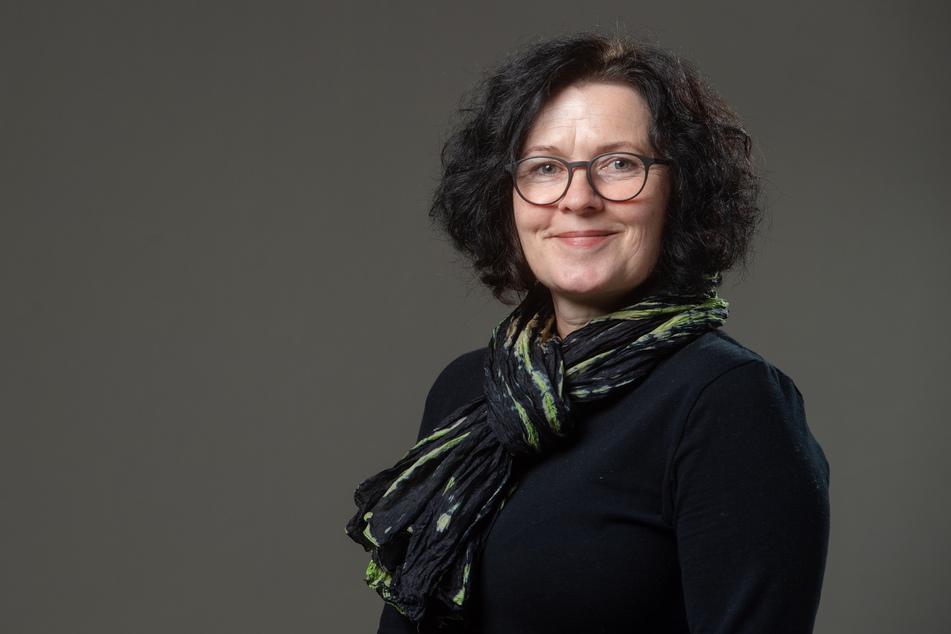 Manuela Tschök-Engelhardt (52, Grüne) will Mülleimer mit witzigen Sprüchen in Chemnitz.