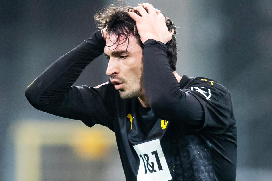 Zum Haare raufen! Mats Hummels (32) spricht die Probleme seines Teams auch öffentlich immer wieder an, doch bislang ändert sich nichts.