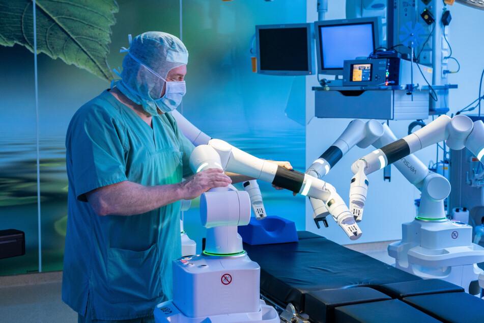 Chemnitz: Roboter-Chirurgen erobern im Klinikum Chemnitz den OP-Saal