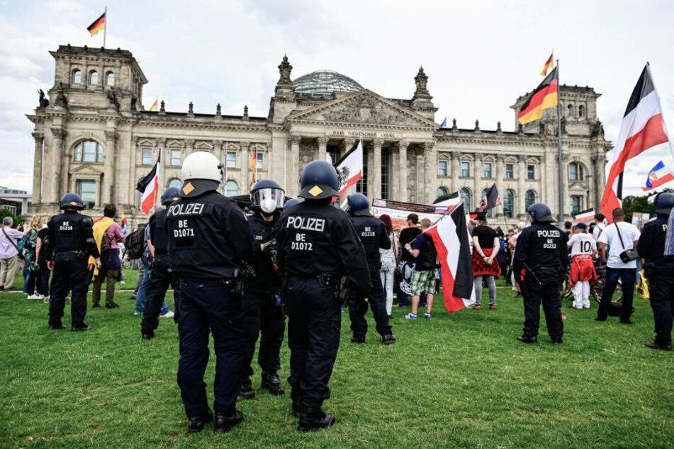 Corona-Demo in Berlin: Politiker bestürzt über Ereignisse vor Reichstag
