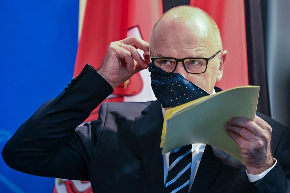 Brandenburgs Ministerpräsident Dietmar Woidke (59, SPD) hat nach dem Corona-Gipfel von Bund und Ländern die Möglichkeit von stufenweisen Lockerungen angekündigt.