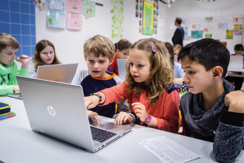 """Vorbild beim """"Digitalen Lernen"""": Die Grundschule """"Georgius Agricola"""" in Freiberg ist die erste kreidefreie Schule in Sachsen."""