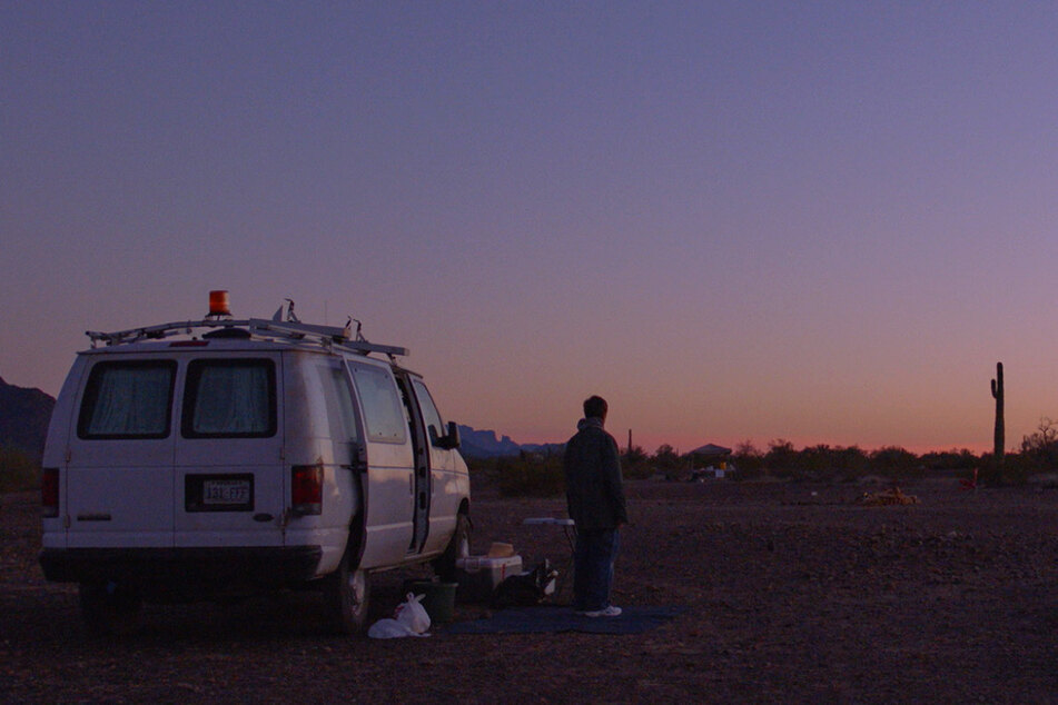 Fern (Frances McDormand, 63) lebt als Nomadin und wohnt in ihrem kleinen Van.