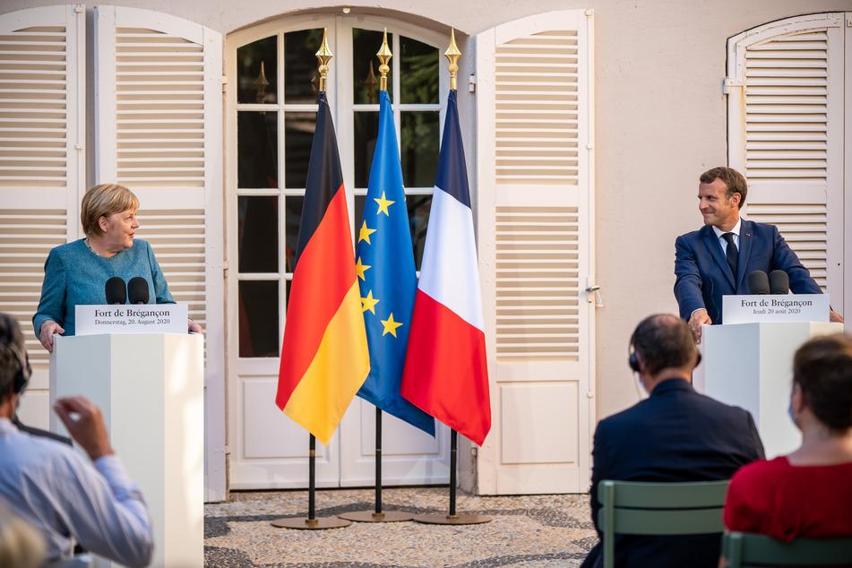Frankreichs Präsident Emmanuel Macron und Bundeskanzlerin Angela Merkel (CDU) bei einer Pressekonferenz in der Sommerresidenz des französischen Staatschefs, dem Fort de Bregancon.