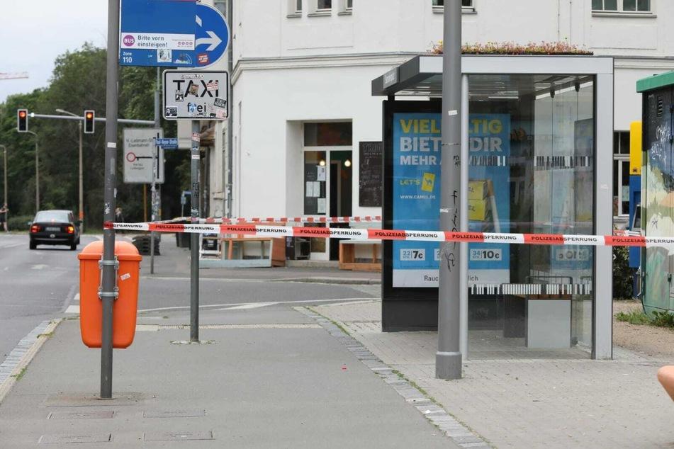 Der abgesperrte Haltestellenbereich am Stannebeinplatz.