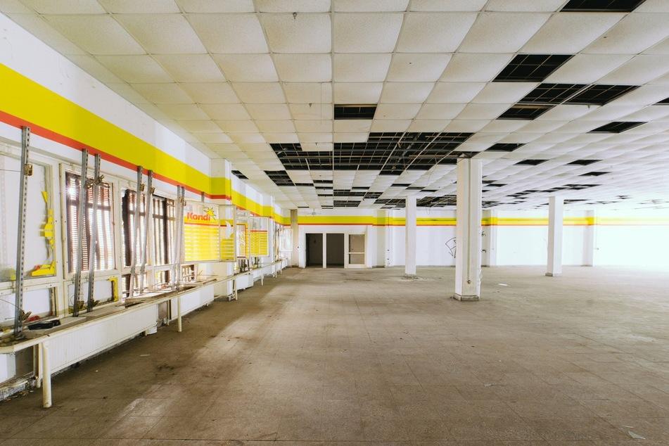 """Chemnitz: """"Begehungen"""" im Heckert-Gebiet: Alte Kaufhalle wird Gesamtkunstwerk"""