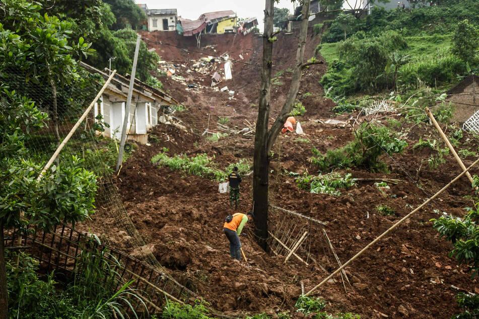 Landslides in Vietnam claim 22 more lives