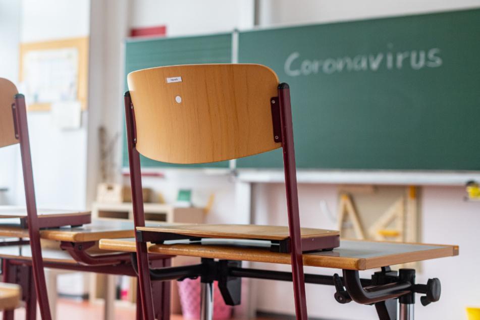 Schule in Bayern in der Corona-Krise: Streit um Abi-Prüfungen und Sommerferien