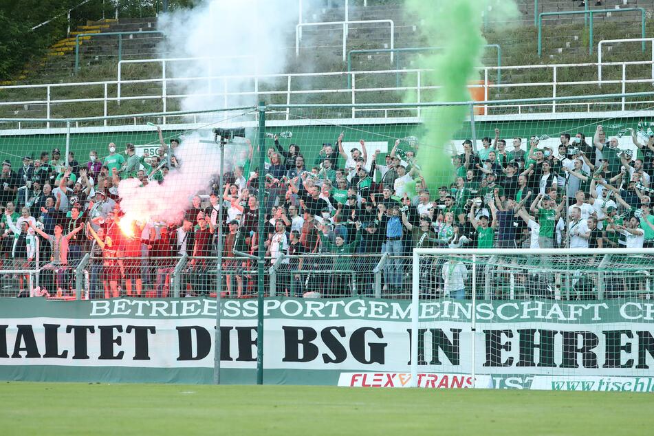 Die BSG Chemie Leipzig kann sich offensichtlich auf seine Fans verlassen. Für die kommende Spielzeit wurden bereits extrem viele Dauerkarten verkauft.