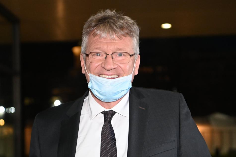 Der AfD-Vorsitzende Jörg Meuthen (59) hat sich gegen Covid-19 impfen lassen.