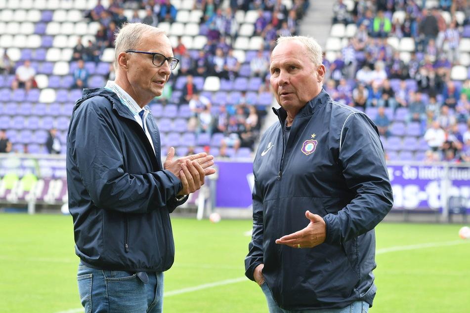 Die Zwillinge und FCE-Bosse Uwe (62, l.) und Helge Leonhardt (62) haben ihre Veilchen bisher noch durch jede Krise geführt.