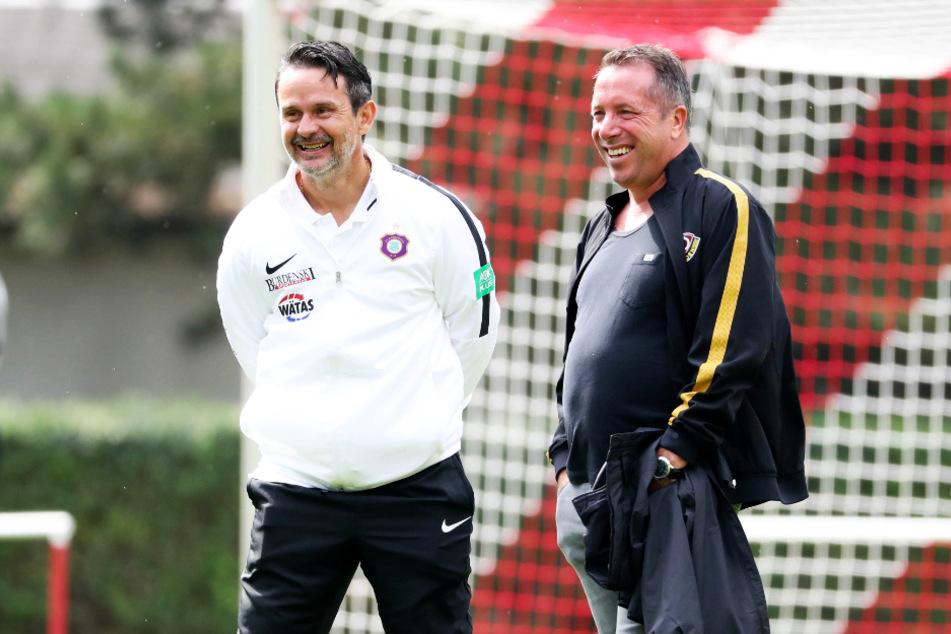 FCE-Coach Dirk Schuster (l.) und Dynamo-Trainer Markus Kauczinski hatten ihren Spaß am Rande des Derbys.