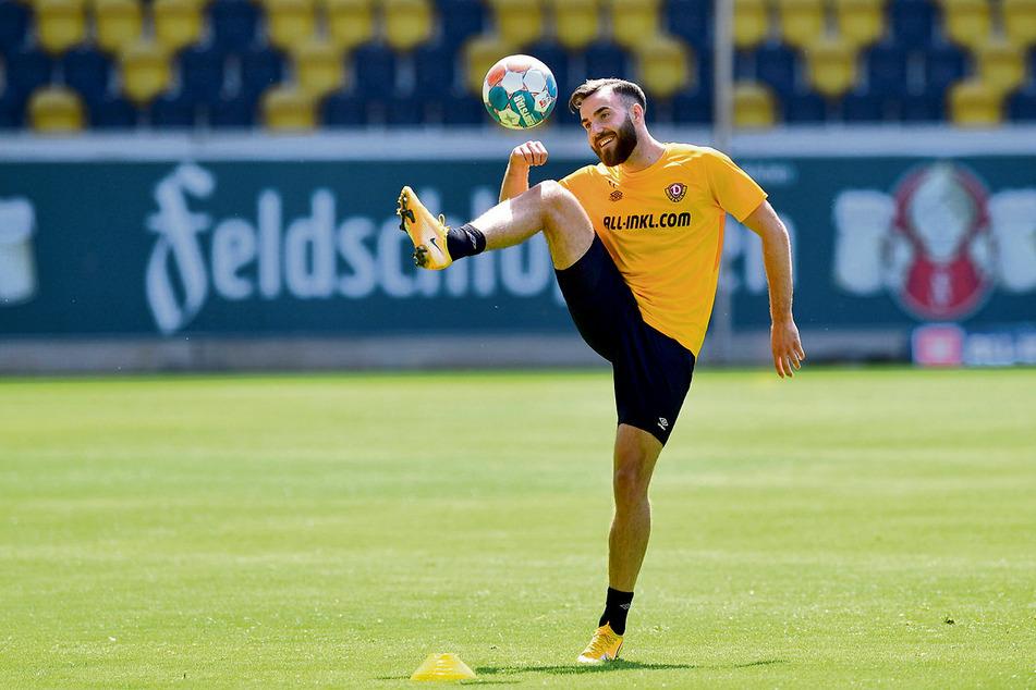 Neuzugang Morris Schröter (25) hatte schon bei seiner ersten Einheit bei Dynamo sichtlich Spaß.