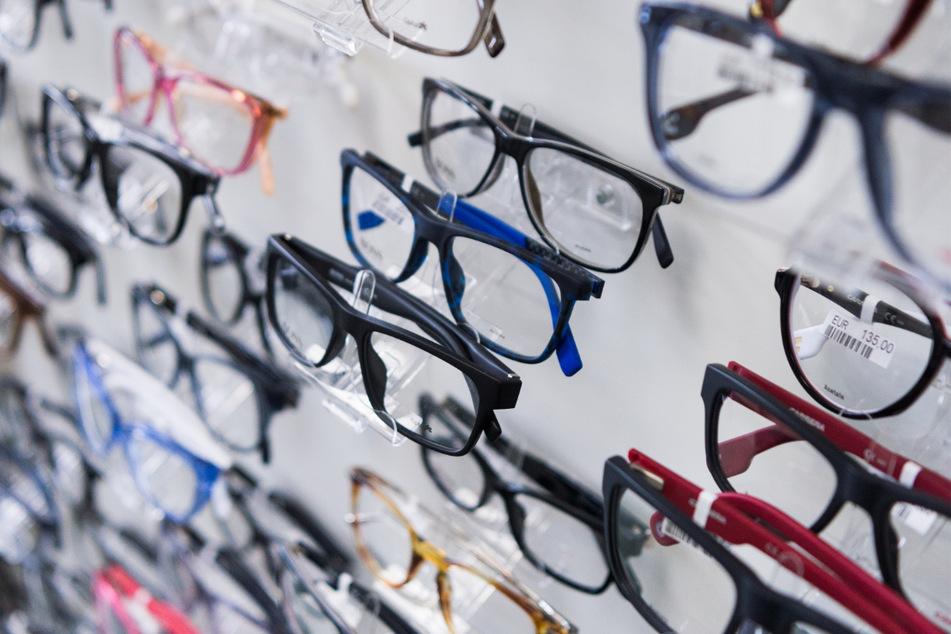 Skurril: Diebe stehlen mehr als 1000 Brillengestelle