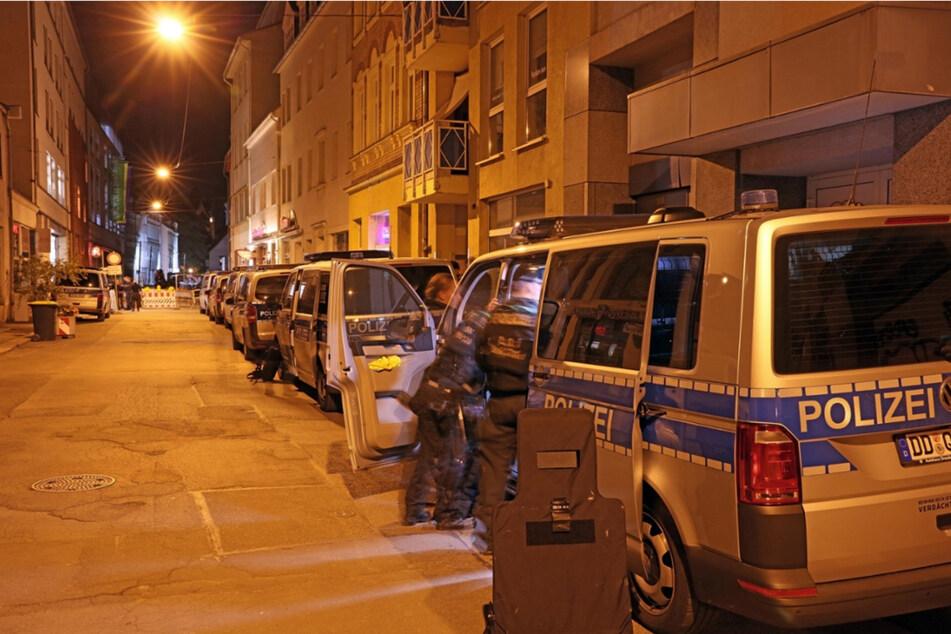 Mit über 90 Einsatzkräften wurde Dienstagnacht in den Zwickauer Arcaden für den Ernstfall geprobt.