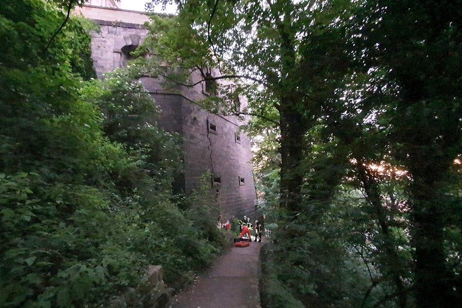 Der Mann kletterte zuvor eine Mauer der Bastion hoch.