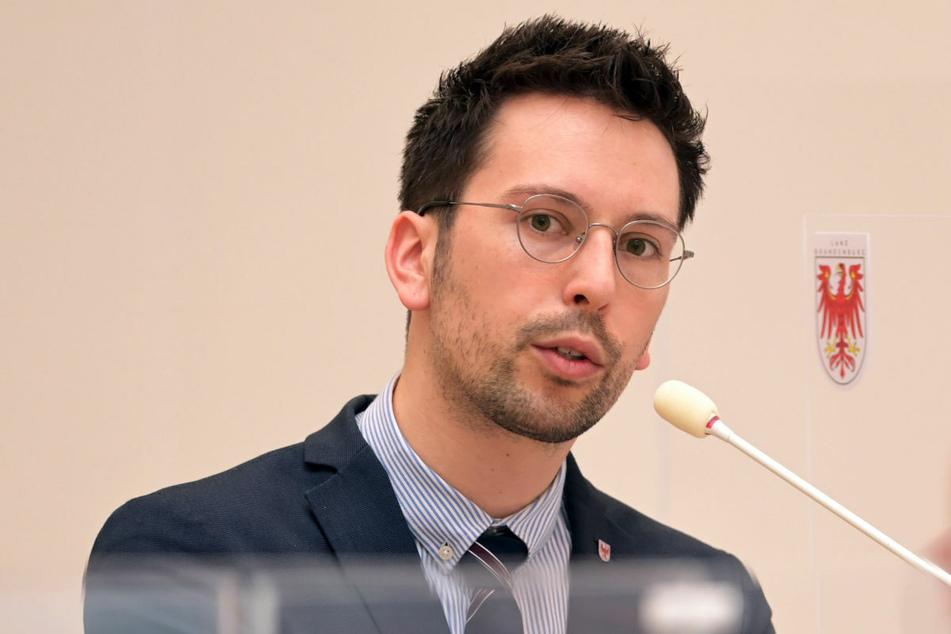 Der Parlamentarische Geschäftsführer der AfD-Fraktion, Dennis Hohloch (32), wies die SPD-Kritik nach Verweigerung der Corona-Schnelltests zurück.