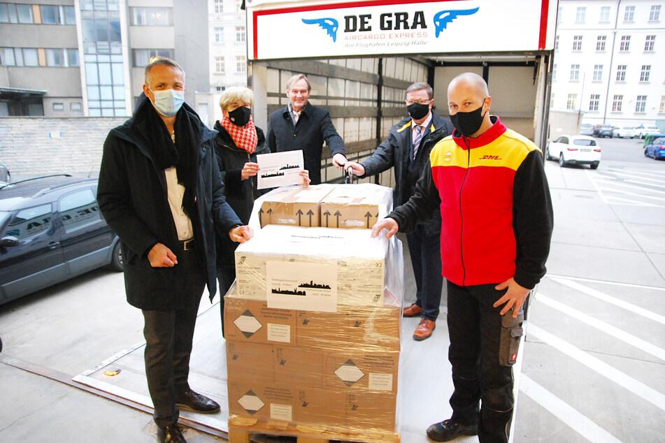 Leipzig unterstützt die Partnerstadt Krakau während der Corona-Krise mit dringend für Krankenhäuser und Pflegeheime benötigtem Material.